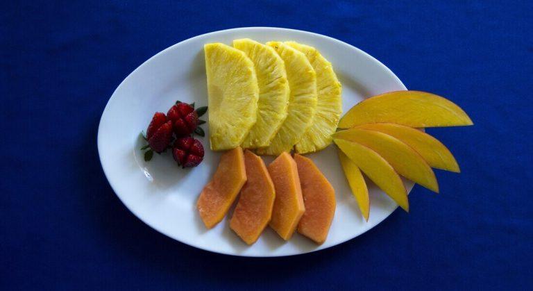 04-desayuno-frutas-variadas